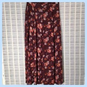 💜 NWOT Skirt